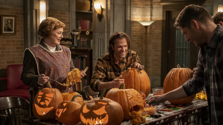 "'Supernatural' 15x14 Review: ""Last Holiday"""