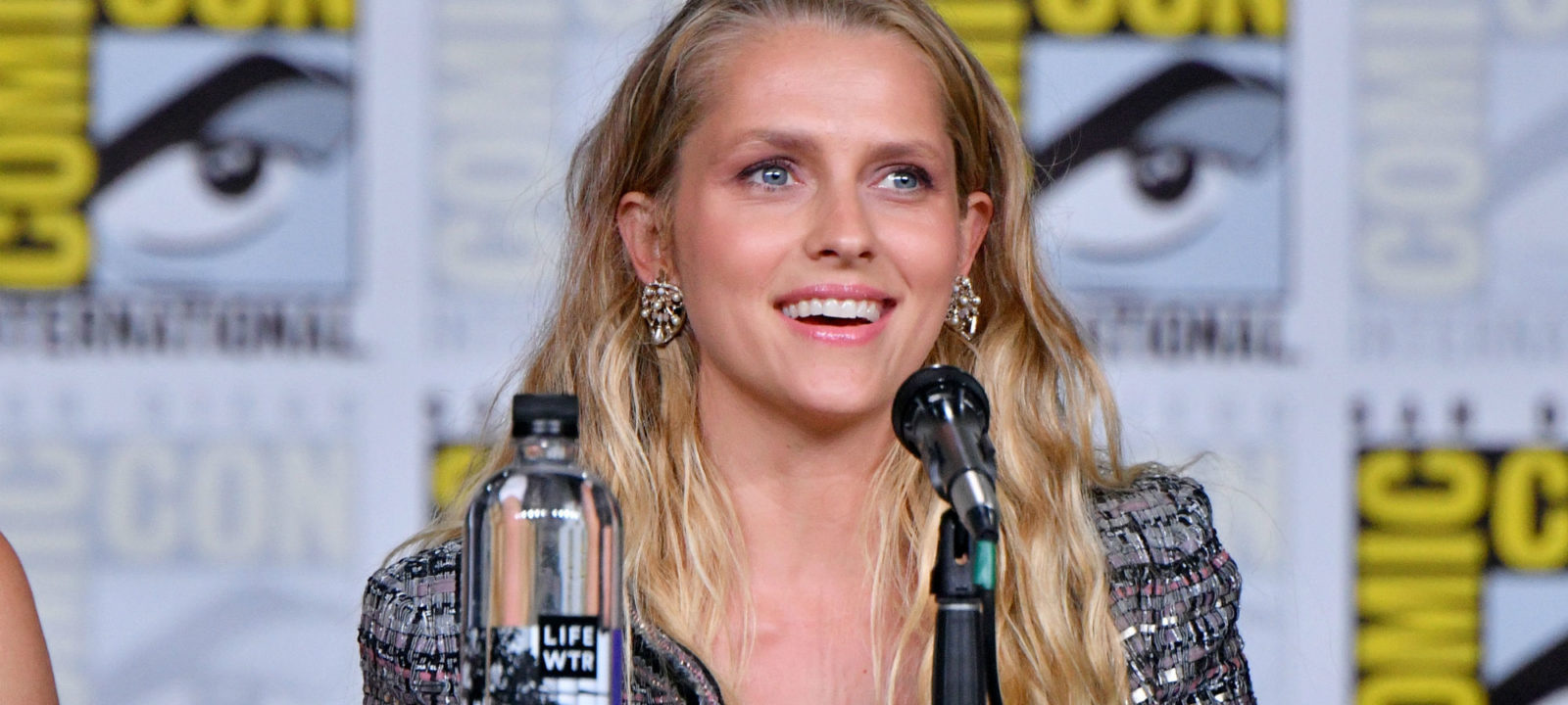 6 Things You Should Know About 'A Discovery of Witches' Teresa Palmer