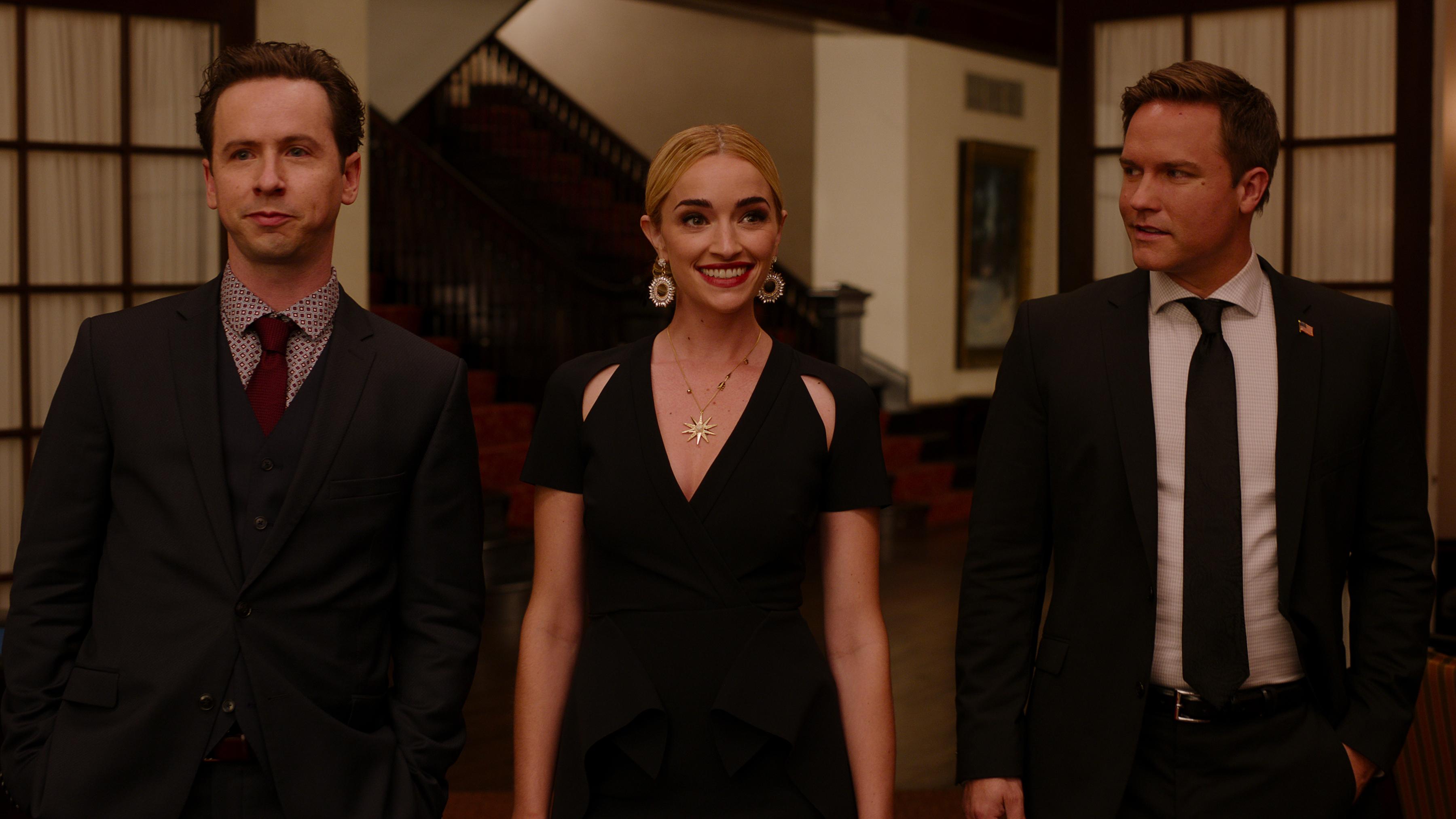"Ginny & Georgia 1x04 ""Lydia Bennett is Hundo a Feminist"""
