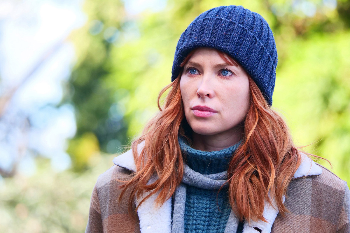 EXCLUSIVE INTERVIEW: Emma Booth from Starz New Series 'The Gloaming'