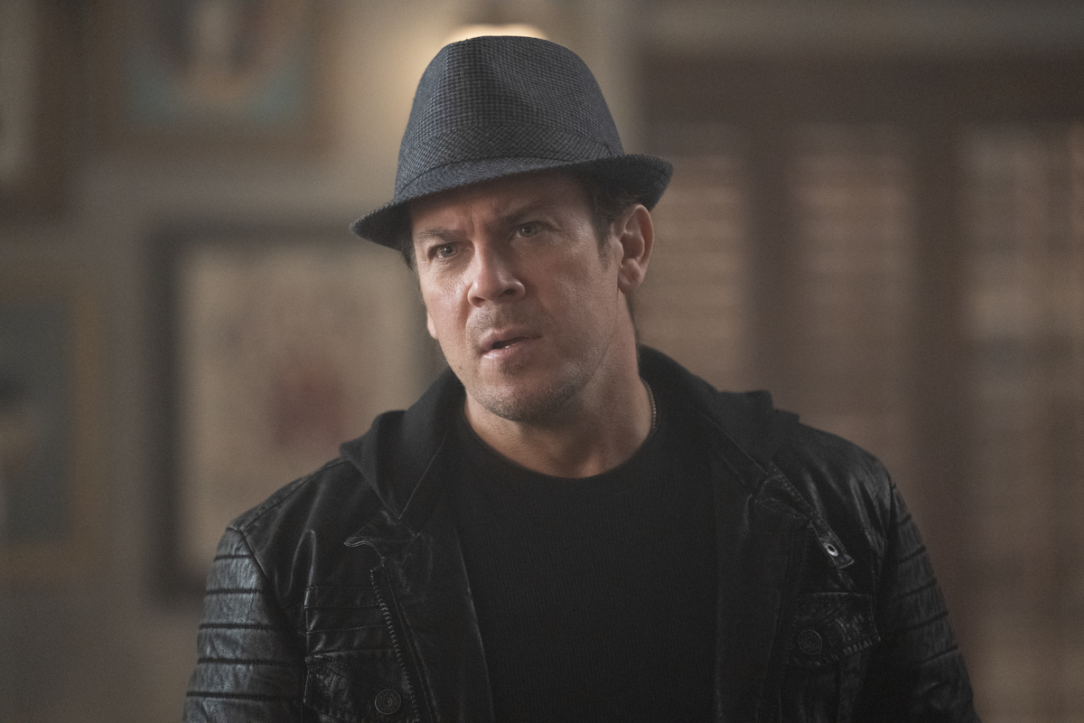 """'Leverage: Redemption' 1x07 Advanced Review: """"The Double-Edged Sword Job"""""""